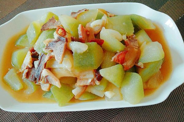 腊肉炖毛瓜的做法