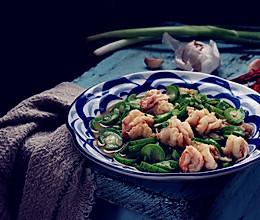 丝瓜炒虾球的做法