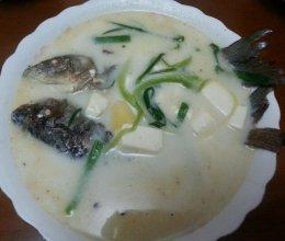 补钙鲫鱼豆腐汤的做法
