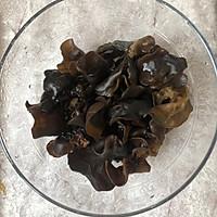#花10分钟,做一道菜!#凉拌木耳洋葱的做法图解1