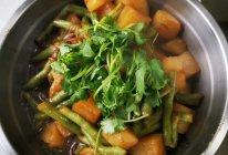 土豆炖豆角粉条的做法