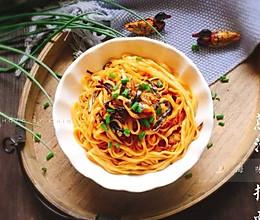 #精品菜谱挑战赛#地方小吃+上海葱油拌面的做法