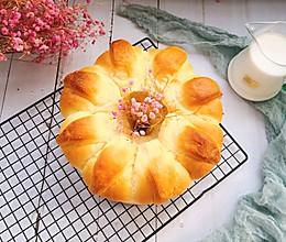 #夏天夜宵High起来!#花型面包的做法