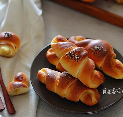 黄油盐面包~~~时下大热的咸香面包