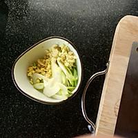 溜炒豆腐泡的做法图解3