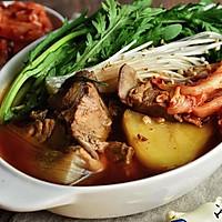 辣白菜脊骨土豆汤