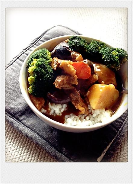 蔬菜咖喱牛腩饭的做法