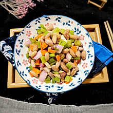 #晒出你的团圆大餐#快手蔬菜丁拌五香花生米