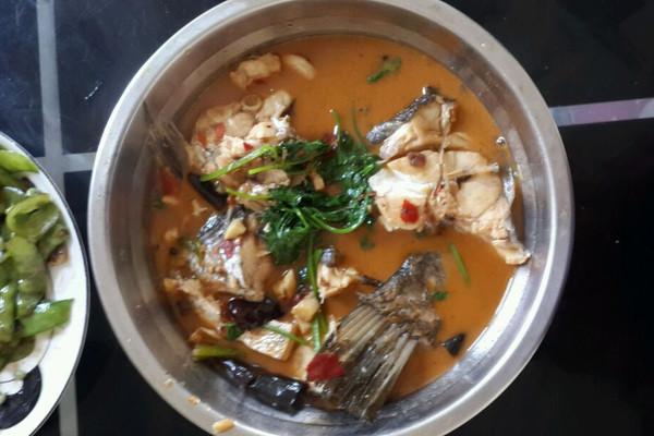 红烧酸辣鱼的做法