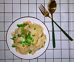 安东味de东北菜~海味尖椒豆皮的做法