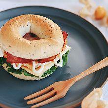 爱美减肥人士的最爱:奇亚贝果鸡肉汉堡