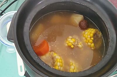 懒人鲜美 猪尾骨(脊骨)汤玉米栗子土豆汤