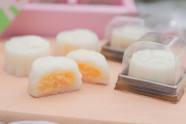 冰皮奶黄月饼「厨娘物语」的做法