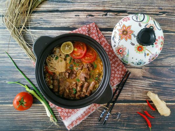 番茄酸菜肥牛锅