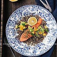 藜麦牛油果三文鱼沙拉