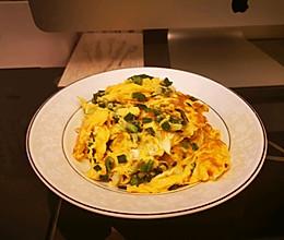 #夏日消暑,非它莫属#2分钟上台超快手下饭菜→香葱炒鸡蛋的做法