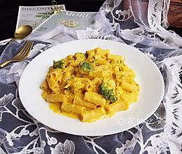 #520,美食撩动TA的心!#奶油南瓜汁鸡胸意面的做法