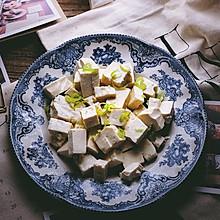 一清二白的 小葱拌豆腐