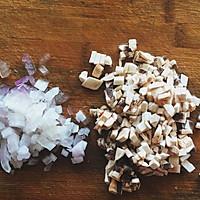 法式奶油蘑菇汤#洁柔食刻,纸为爱下厨#的做法图解2
