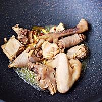 #就是红烧吃不腻!#土鸡土豆粉条一锅炖的做法图解7
