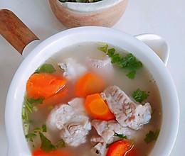 胡萝卜排骨汤的做法