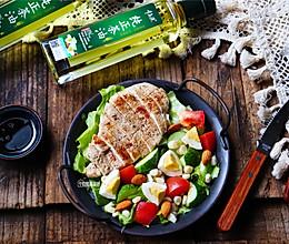 #全电厨王料理挑战赛热力开战!# 鸡胸肉蔬菜沙拉的做法