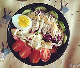 鸡胸肉水果蔬菜沙拉的做法