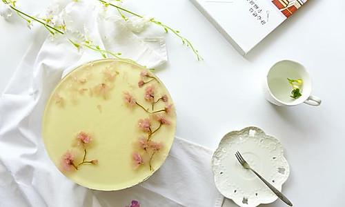 盛夏清凉甜品——酸奶黄桃奶酪慕斯的做法