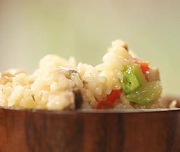迷迭香:西葫芦芝士炖饭的做法