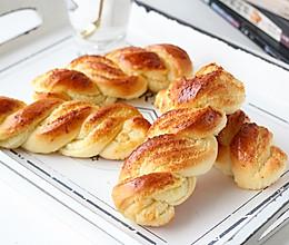 椰蓉麻花辫面包的做法