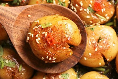 【香煎小土豆】土豆这样烧很可怕,每天都想吃!
