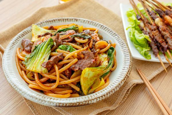 #肉食者联盟#新疆炒米粉|辣而不燥的做法