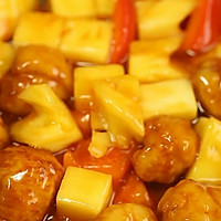 你能猜到,最正宗的咕咾肉,是用肉片裹成的肉球?——菠萝咕咾肉的做法图解6