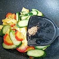 红萝卜黄瓜炒鸡蛋#花10分钟,做一道菜!#的做法图解10