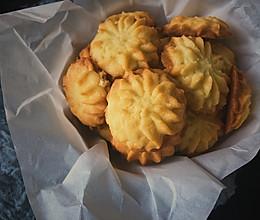 #换着花样吃早餐#椰丝曲奇饼干的做法