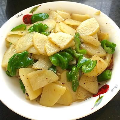 青辣椒炒土豆片