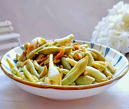 #钟于经典传统味#简单好吃的扁豆炒肉丝的做法