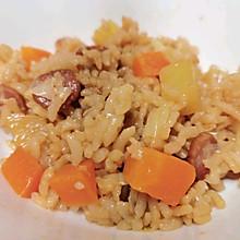饭菜一锅出——香肠土豆焖饭