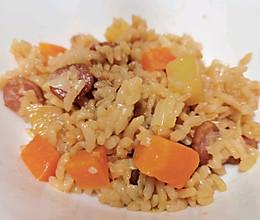 饭菜一锅出——香肠土豆焖饭的做法