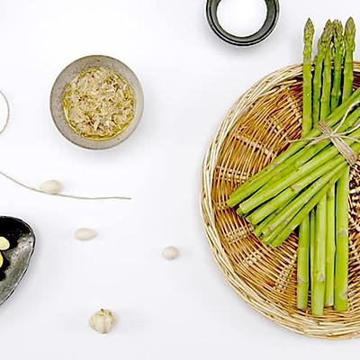 银杏百合炒芦笋 盐水煮芦笋 干贝蟹肉配煎芦笋 美食台