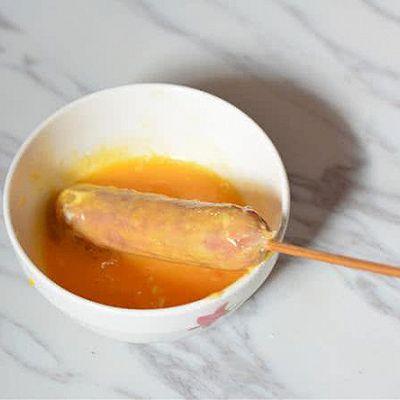 芝士薯片烤肠的做法 步骤3