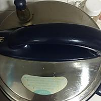 香菇红枣炖鸡汤的做法图解7