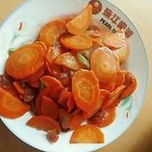 胡萝卜炒腊肠