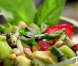 【芒果姐姐小厨房】清爽牛油果沙拉,缤纷果色撩动你的悸动春心~的做法