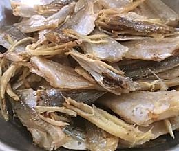 姜丝蒸鱼干的做法