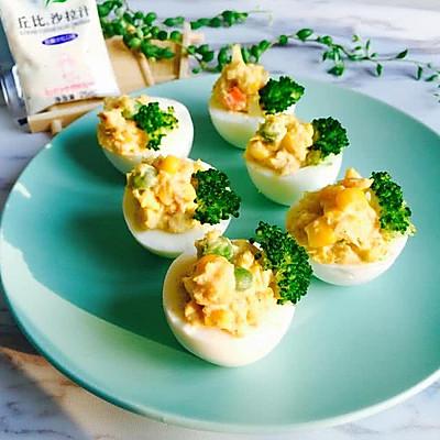 金枪鱼鸡蛋杯沙拉
