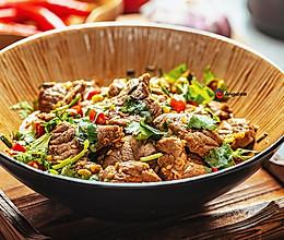 秘制香菜拌牛肉,嫩滑爽口,减脂期大胆吃!清爽还开胃~的做法