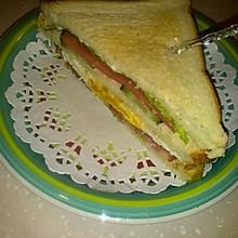 火腿煎蛋三明治