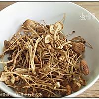 茶树菇排骨汤:味纯清香的老火汤的做法图解5