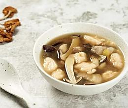 鸡枞菇虾滑肉片汤的做法